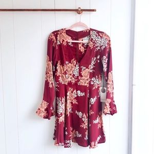 NWT Privacy Please Floral Bell Sleeve Dress